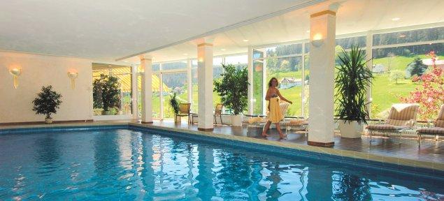 3 s hotel in baiersbronn im schwarzwald hotel waldlust for Hotel munster mit schwimmbad